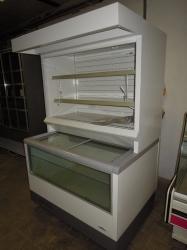 431 Přístěnná chladicí vitrina 1,26 m