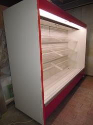 447 Přístěnná vitrina 2,6 m