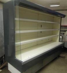 252 Přístěnná chladicí vitrina 2,5 m